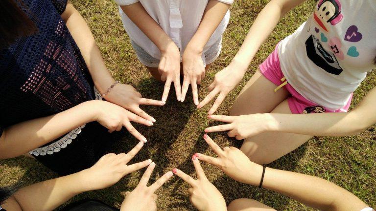 team, friends, teamwork-1381084.jpg